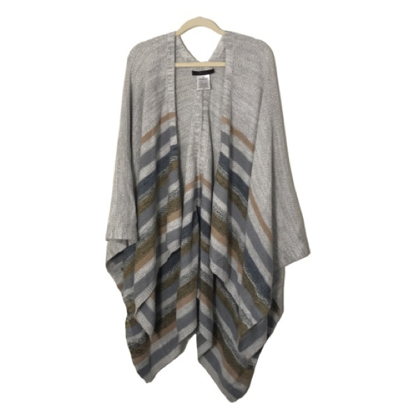 BCBGMaxAzria Accessories - BCBG Knitted Wrap